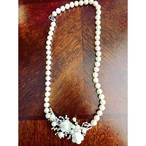 NWOT Faux pearl necklace floral pendant from Etsy